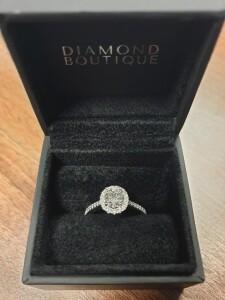 White Gold & Diamond Circle Ring
